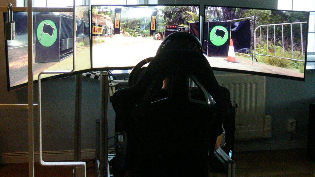 mästarmöte i e-sport på trelleborgs motorklubbs klubbstuga